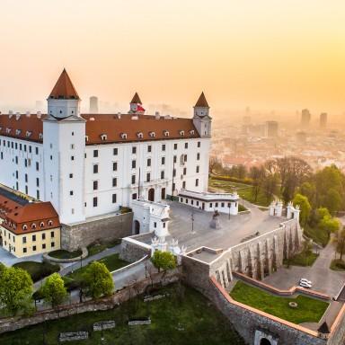 letecka_vychod_slnka_hrad