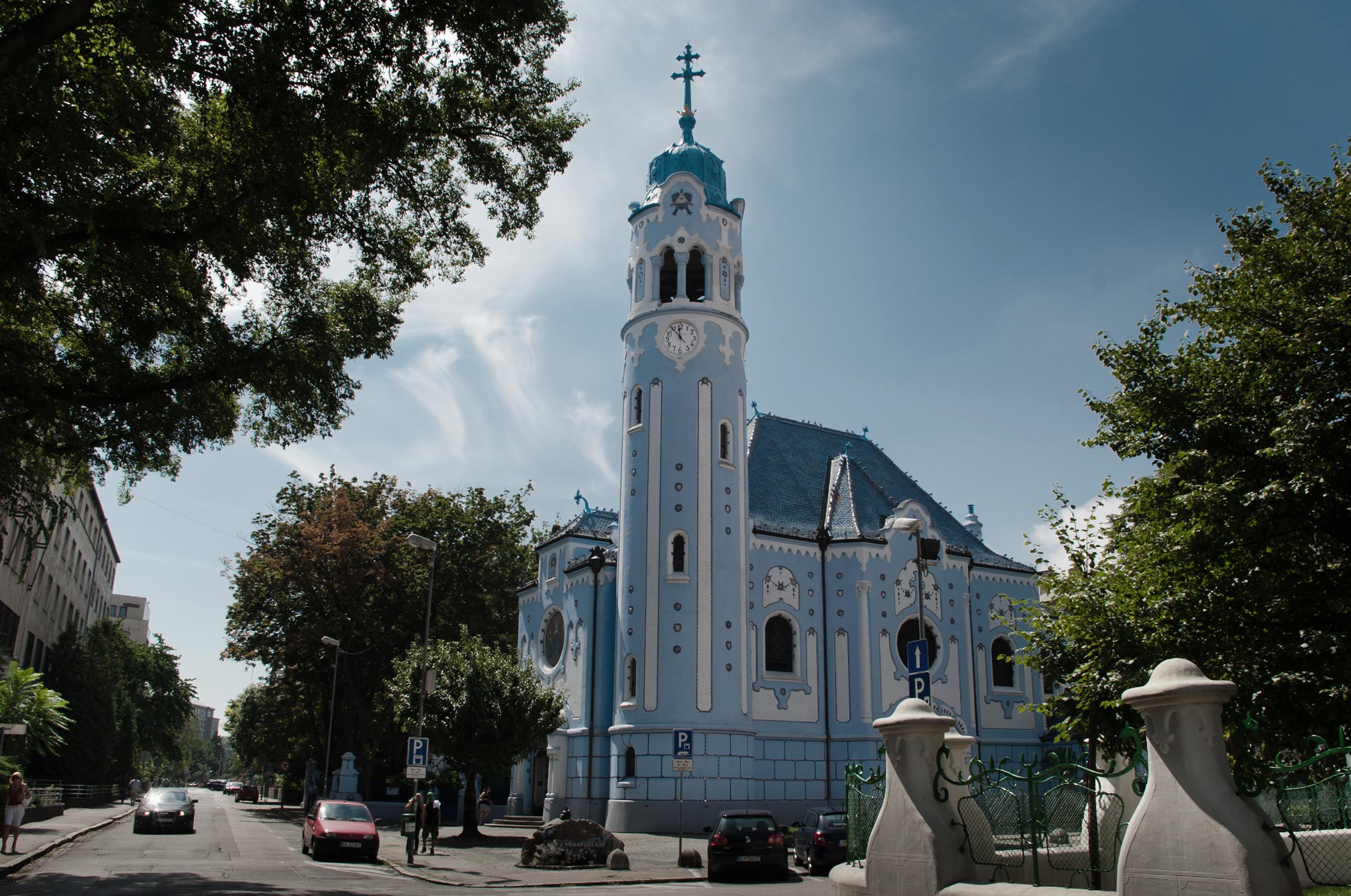 Sankt-Elisabeth-Kirche - Blaue Kirche