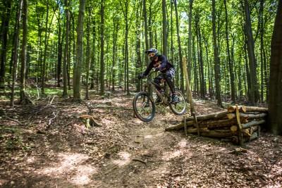 cyklista_enduro_trat_koliba