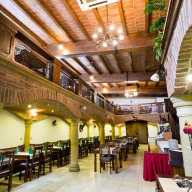 Kammer 1 hotels und restaurants visit bratislava for Mama s design boutique hotel bratislava