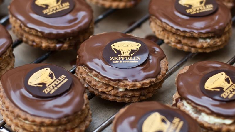 zeppelin cafe bratislava cakes