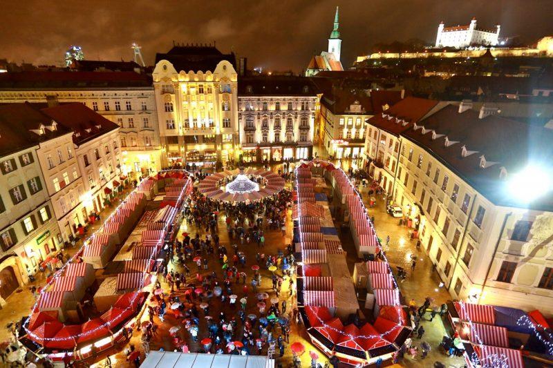 Weihnachtsmarkt Hauptplatz burg Saint Martins Kathedrale