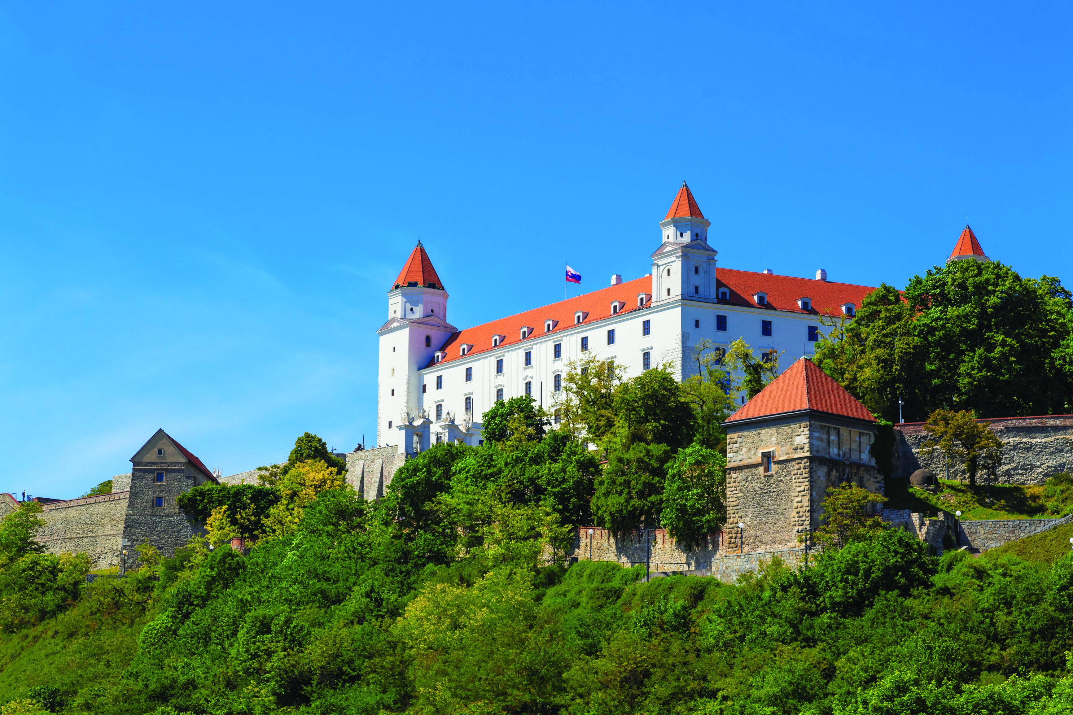 bratislava-slovakia_25795170