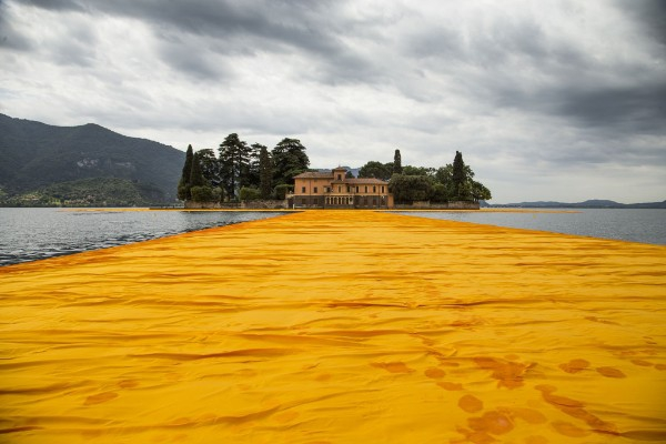 CHRISTO – THE FLOATING PIERS