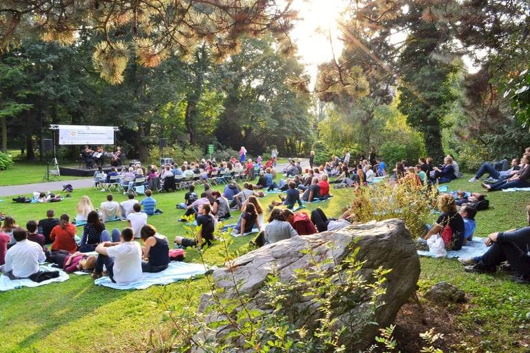 CHAMBER CONCERTS IN THE BOTANICAL GARDEN